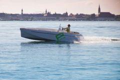Elektroboot mit Aquamot-Motor