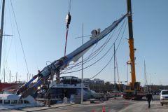Mast eines Katamarans durch das Atelier Gréement auf dem nautischen Pol von Canet en Roussillon